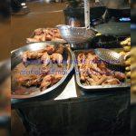 Poulet et plantains frits au carrefour nouvelle route Tam-tam